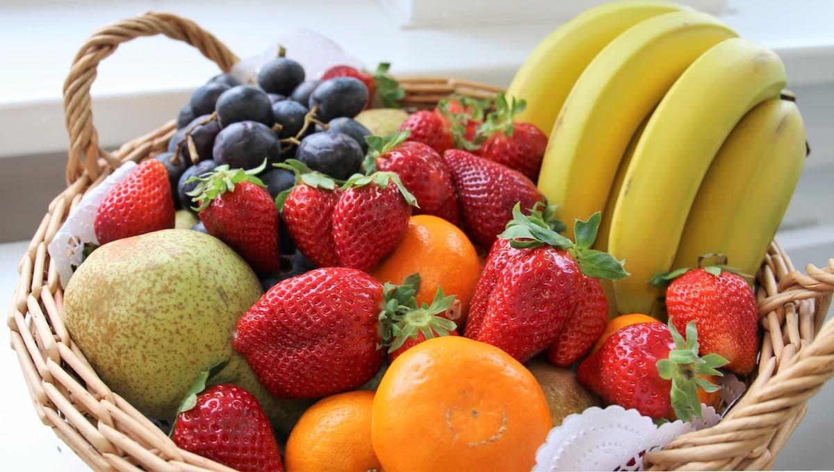 BGM Obstkorb Bananen Erdbeeren Orangen